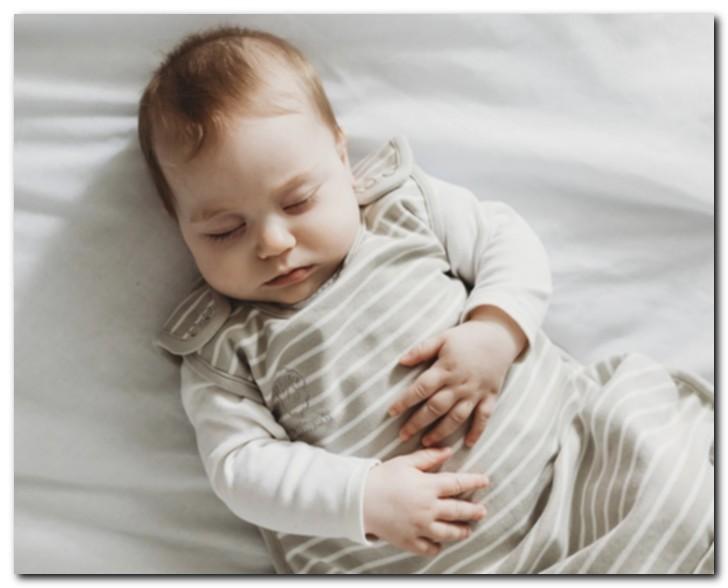 6 причин, по которым ваш ребенок может больше спать и меньше есть